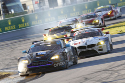 سيارة أستون مارتن فينتج رقم 9، ديريك بيبوير، ماكس ريدل، اليسيو سالازار، براندون ديفيز