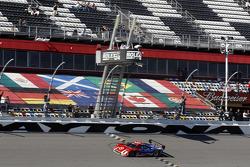 #02 Chip Ganassi Ford/Riley: Scott Dixon, Kyle Larson, Jamie McMurray, Tony Kanaan takes the win