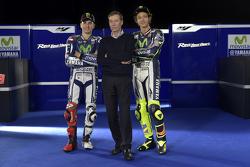 Lin Jarvis mit Jorge Lorenzo und Valentino Rossi