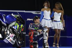 Jorge Lorenzo, Yamaha Factory Racing, mit bezaubernden Yamaha-Girls