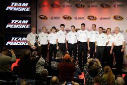 Ryan Blaney, Joey Logano, Brad Keselowski, Tim Cindric, Paul Wolfe, Roger Penske, Penske Takımı