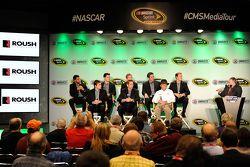 Darrell Wallace Jr., Ryan Reed, Chris Buescher, Elliott Sadler, Trevor Bayne, Ricky Stenhouse Jr., Greg Biffle et Jack Roush, Roush Fenway Racing