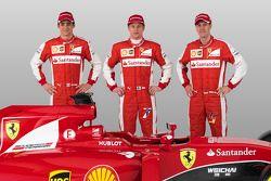Esteban Gutierrez, Kimi Raikkonen, Sebastian Vettel et la Ferrari SF15-T
