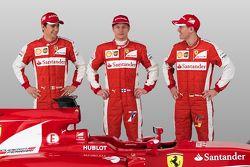 Esteban Gutiérrez, Kimi Raikkonen, Sebastian Vettel con el Ferrari SF15-T