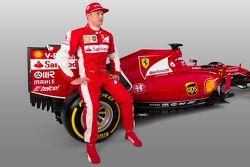 Kimi Raikkonen met de Ferrari SF15-T