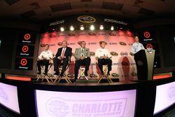 Kyle Larson, Chip Ganassi, Felix Sabates et Jamie McMurray