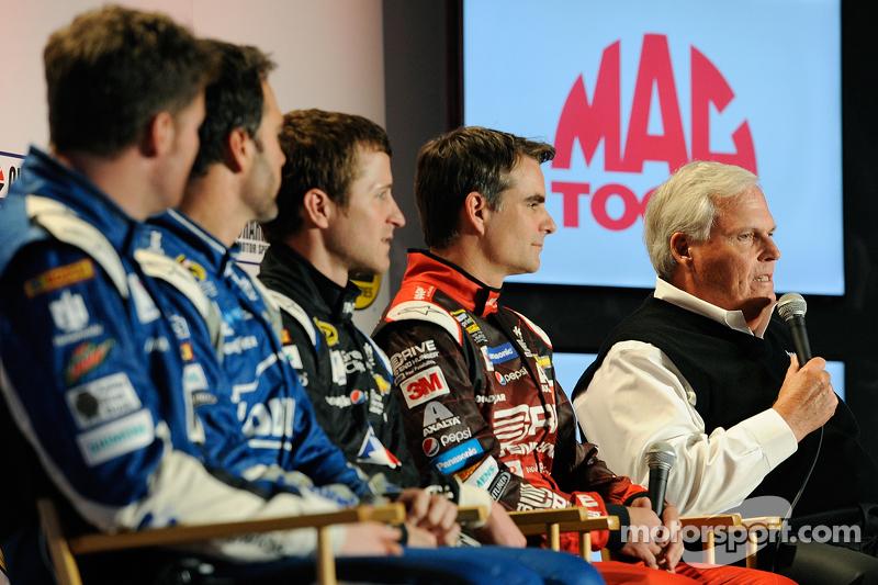 Dale Earnhardt jr., Jimmie Johnson, Kasey Kahne, Jeff Gordon, Rick Hendrick