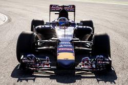 Карлос Саинс-мл.. Запуск Toro Rosso STR10, обкатка.