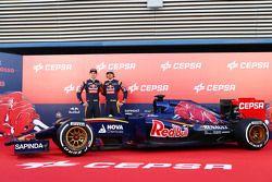 (L to R): Max Verstappen, Scuderia Toro Rosso and team mate Carlos Sainz Jr., Scuderia Toro Rosso unveil the new Scuderia Toro Rosso STR10