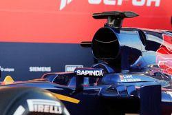 Detail penutup mesin Scuderia Toro Rosso STR10
