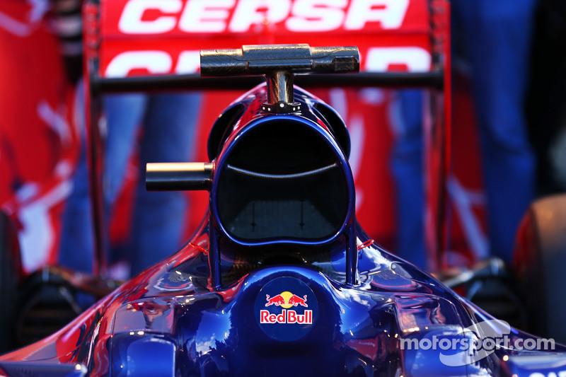 Scuderia Toro Rosso STR10 engine cover detail