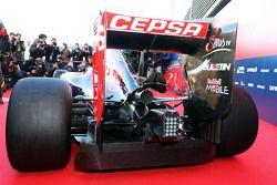 Sayap belakang dan detail knalpot Scuderia Toro Rosso STR10