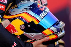 Helmet of Carlos Sainz Jr., Scuderia Toro Rosso