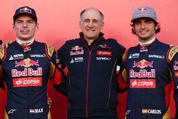 (L to R): Max Verstappen, Scuderia Toro Rosso with Franz Tost, Scuderia Toro Rosso Team Principal and Carlos Sainz Jr., Scuderia Toro Rosso
