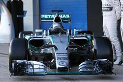 De Mercedes AMG F1 W06 is onthuld