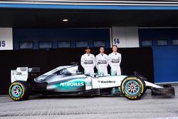 Льюис Хэмилтон, Mercedes AMG F1, резервный гонщик Mercedes AMG F1 Паскаль Верляйн, Нико Росберг, Mer