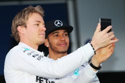 (L to R): Nico Rosberg, Mercedes AMG F1 with team mate Lewis Hamilton, Mercedes AMG F1