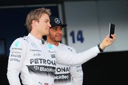 Льюис Хэмилтон и Нико Росберг. Презентация Mercedes AMG F1 W06, презентация.