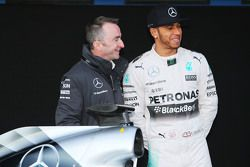 (L to R): Paddy Lowe, Mercedes AMG F1 Executive Director, with Lewis Hamilton, Mercedes AMG F1
