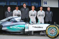 De Mercedes AMG F1 W06 is onthuld, Paddy Lowe, Mercedes AMG F1 Executive Director, Mercedes AMG F1;