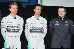 Льюис Хэмилтон, Нико Росберг и Паскаль Верляйн. Презентация Mercedes AMG F1 W06, презентация.