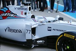 Aspecto lateral del Williams FW37