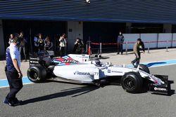 Valtteri Bottas, Williams FW37 nos pits