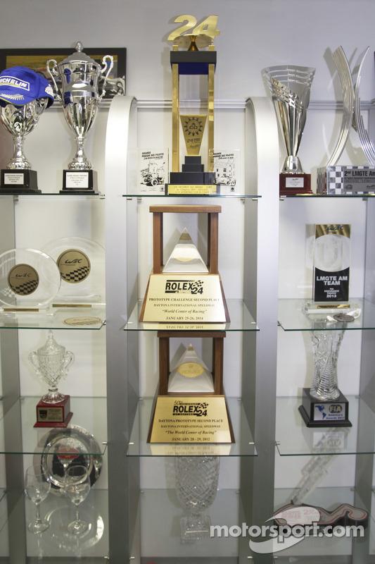 [Imagen: tusc-8star-motorsports-visit-2015-variou...kshops.jpg]