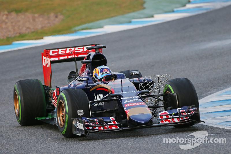 Carlos Sainz Jr., Scuderia Toro Rosso STR10 running sensor equipment
