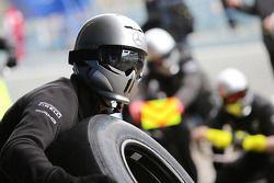 Mercedes AMG F1 effettua un pit stop