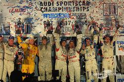 Les vainqueurs de classe fêtent leurs succès à Laguna Seca