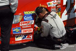 On apporte les dernières modifications aux pressions de pneus