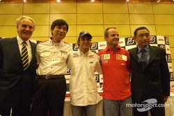 Bridgestone basın toplantısı: Hisao Suganuma, Felipe Massa, Rubens Barrichello ve Hiroshi Yasukawa