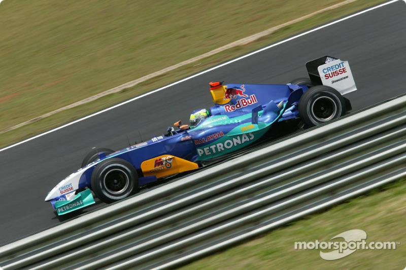 2004: Sauber-Petronas C23 (два четвертых места, 6-е место в КК)