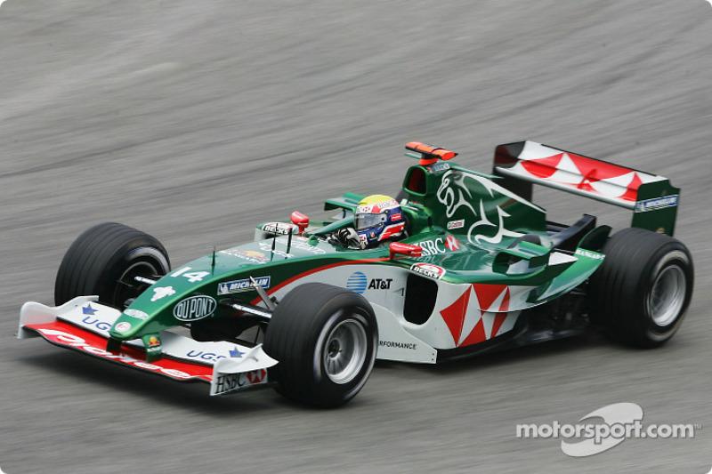 2004 - Jaguar R5