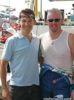 Paul Tracy avec le cycliste Robbie McEwen, qui vient de la Gold Coast, et qui a gagné le maillot ver