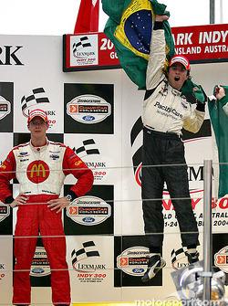 Podium : le vainqueur Bruno Junqueira avec Sébastien Bourdais