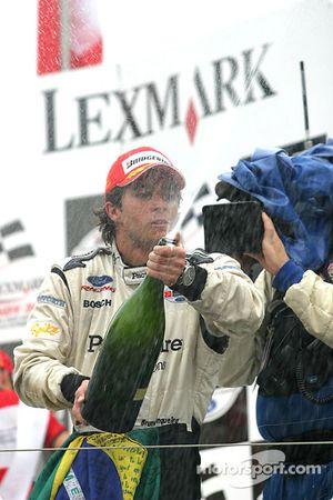 Podium : champagne pour Bruno Junqueira