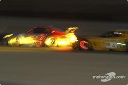 La Porsche 911 GT3 RSR n°44 Flying Lizard Motorsports : Seth Neiman , Lonnie Pechnik, Jon Fogarty, et la Corvette C5-R n°4 Corvette Racing : Oliver Gavin, Olivier Beretta