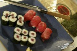 Takuma Sato tries his hand, sushi Hazırlıklar, Sao Paulo