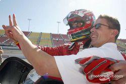 Max Papis et Scott Pruett fêtent la pole position