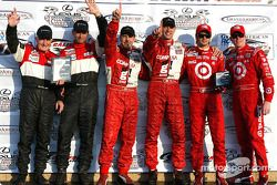 Overall and DP podium: race winners Scott Pruett and Max Papis, with Butch Leitzinger and Elliott Forbes-Robinson, and Darren Manning and Scott Dixon