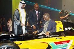 His Highness Sheikh Maktoum Hasher Maktoum Al Maktoum (UAE) CEO A1 Grand Prix, Tokyo Sexwale (RSA) Chairman of Mvelaphamda Holdings and A1 Grand Prix South Africa seat holder and South African President Mbeki (RSA)