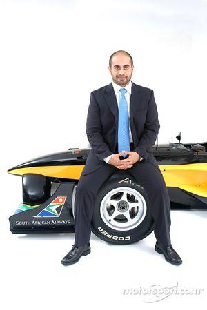 His Highness Sheikh Maktoum Hasher Maktoum Al Maktoum (UAE), CEO and President of A1 Grand Prix, and the South African liveried Lola A1 Grand Prix car