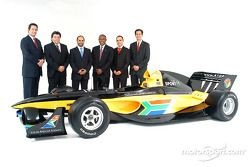 His Highness Sheikh Maktoum Hasher Maktoum Al Maktoum (UAE), CEO et President de A1 Grand Prix (thrd from left), Mr Tokyo Sexwale (RSA), the South African franchise partner, Stephen Watson (RSA) A1 Test Driver et Brian Menell (RSA) partner de A1 Grand P