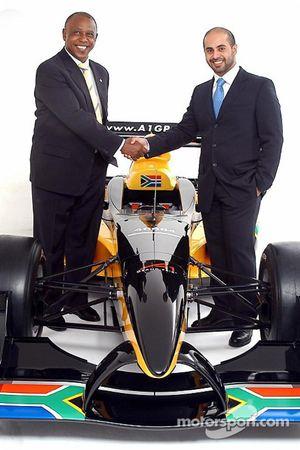 Mr Tokyo Sexwale (RSA), the South African franchise partner, with His Highness Sheikh Maktoum Hasher Maktoum Al Maktoum (UAE), CEO and President of A1 Grand Prix, and the South African liveried Lola A1 Grand Prix car