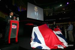 Sheikh Maktoum Hasher Maktoum Al Maktoum (UAE) CEO and President of A1 Grand Prix and Steve Rider (GBR) on stage