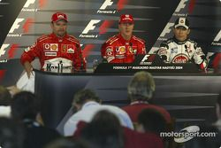 basın toplantısı: Pole: Kazanan Michael Schumacher ve Rubens Barrichello ve Takuma Sato