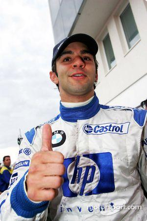 Antonio Pizzonia kutlama yapıyor his 6th fastest time