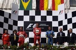 Podio: ganador de la carrera Michael Schumacher, segundo lugar Rubens Barrichello y tercer lugar Fer